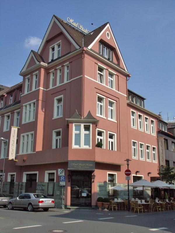 Hotel mit Terrassencafé